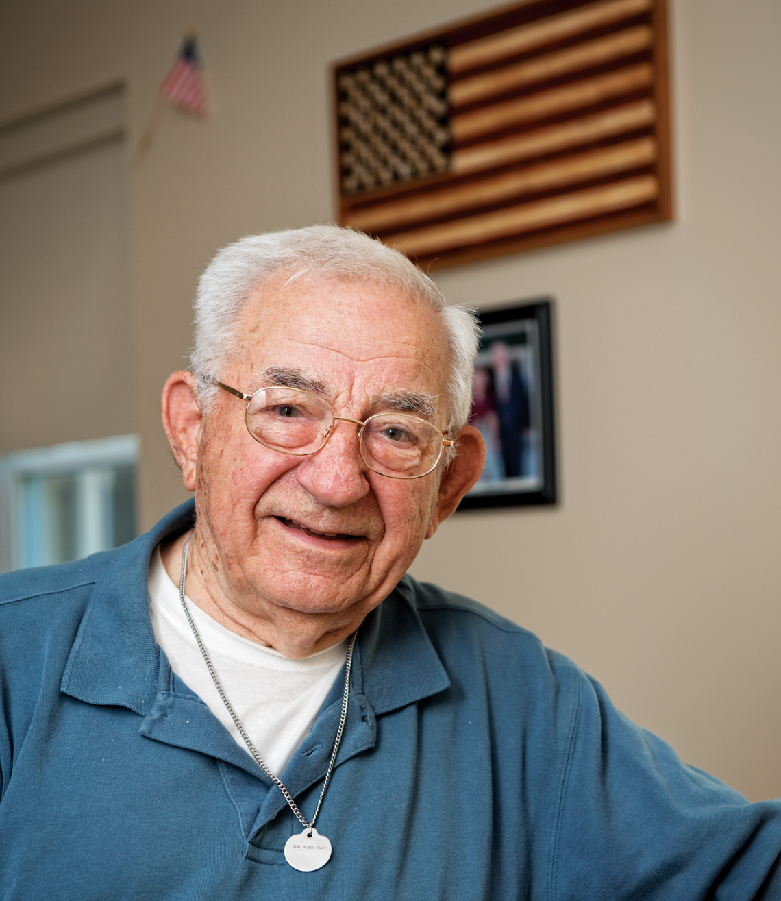 Mike Kaminsky, a 90-year-old World War II Army veteran. Photos by Adrien Bisson.